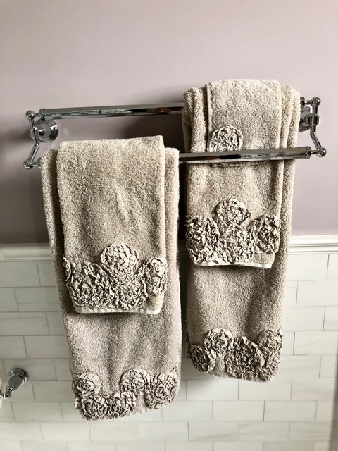 Cape May Showhouse Ensuite Bathroom Accessories